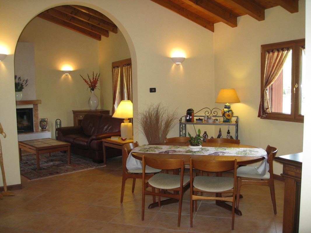 Sala da pranzo malnisio casa - Foto sala da pranzo ...